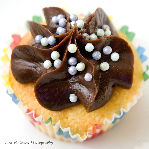 Cupcake product shot example by Jane Mucklow